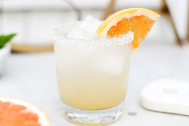 Grapefruit honey spritzer mocktail