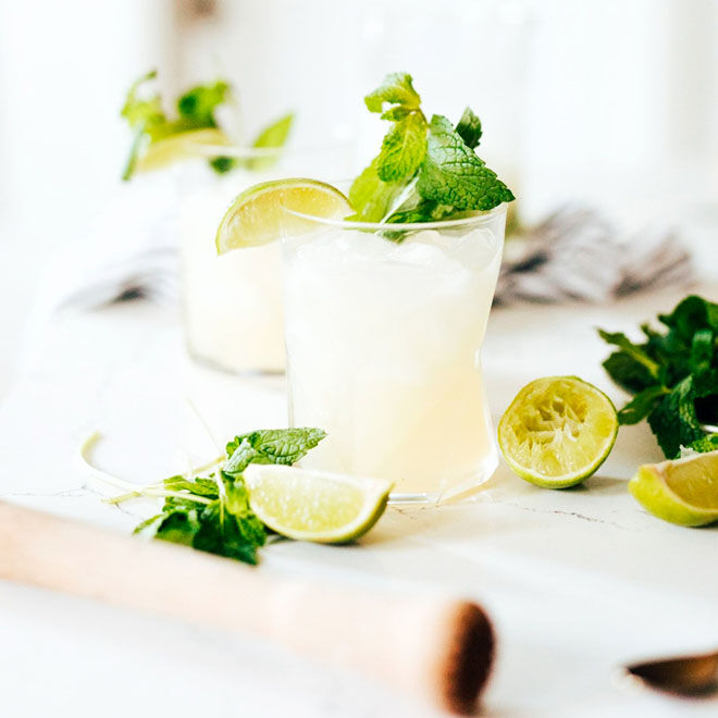 Mojito Spritz mocktail for New Years