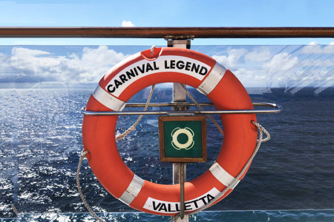 Review Carnival Legend Crusie