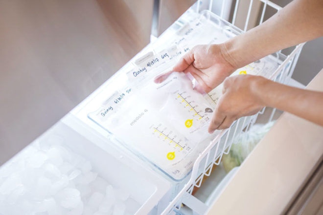How to store breastmilk in the freezer