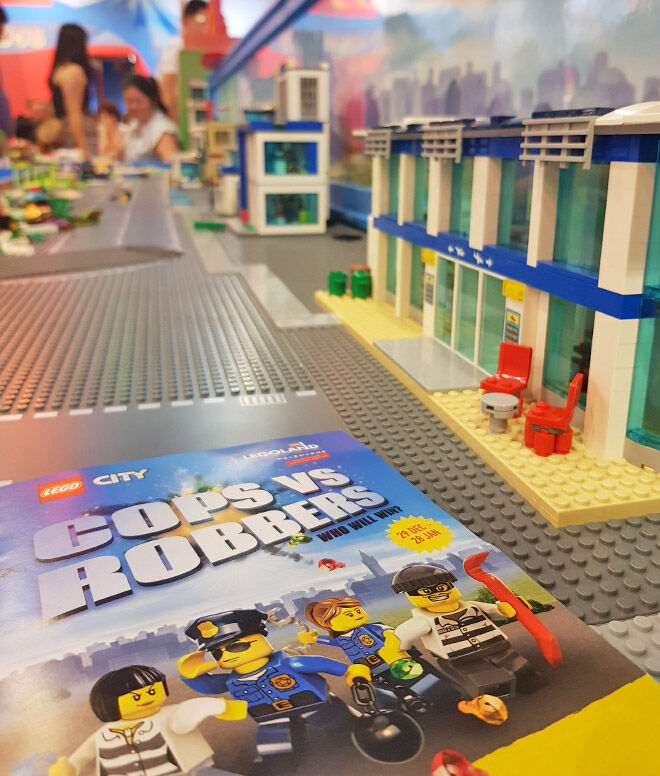 Legoland cops vs robbers