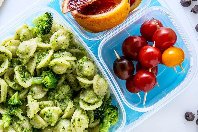Lunch box pesto pasta salad