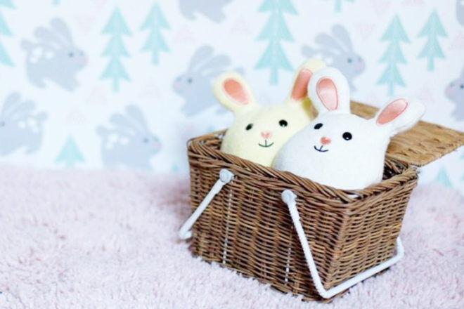 Bunny rattles, Apple Park