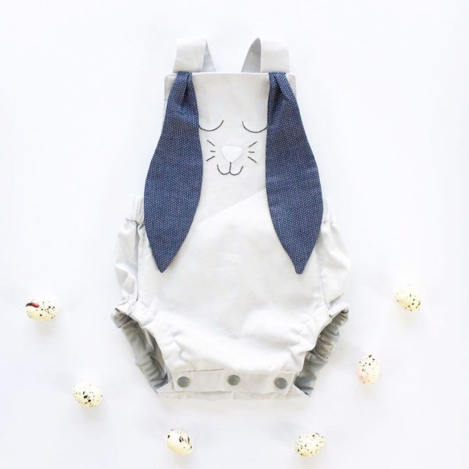 Grey bunny romper, Fluturi