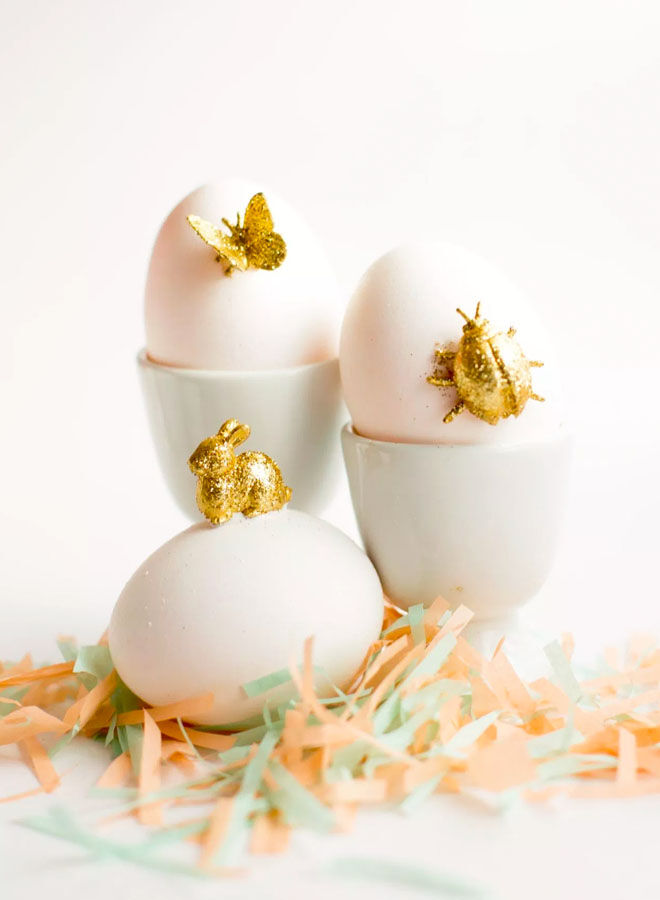 Gold animal Easter egg decorating idea
