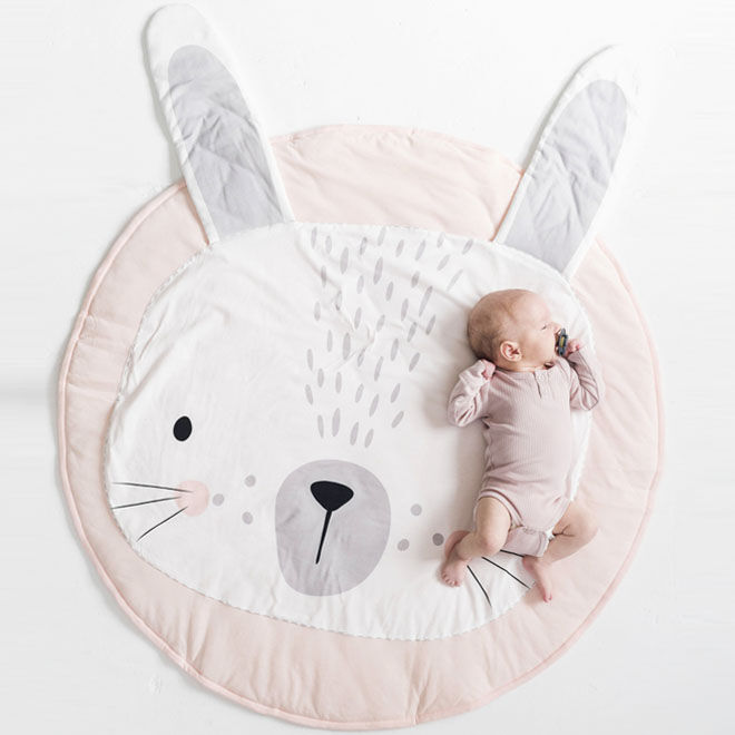 Rabbit playmat, Mister Fly