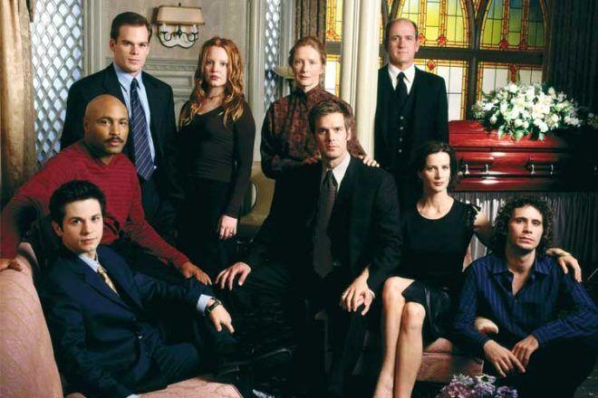 Six Feet Under Tv series watching