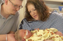 6.9kg largest baby born