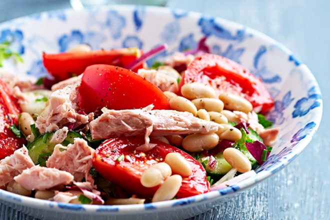Tuna and cannellini bean salad