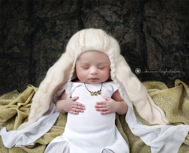 Game of Thrones newborn photos
