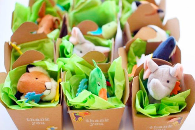 Jungle party favours - Adopt an animal finger puppet