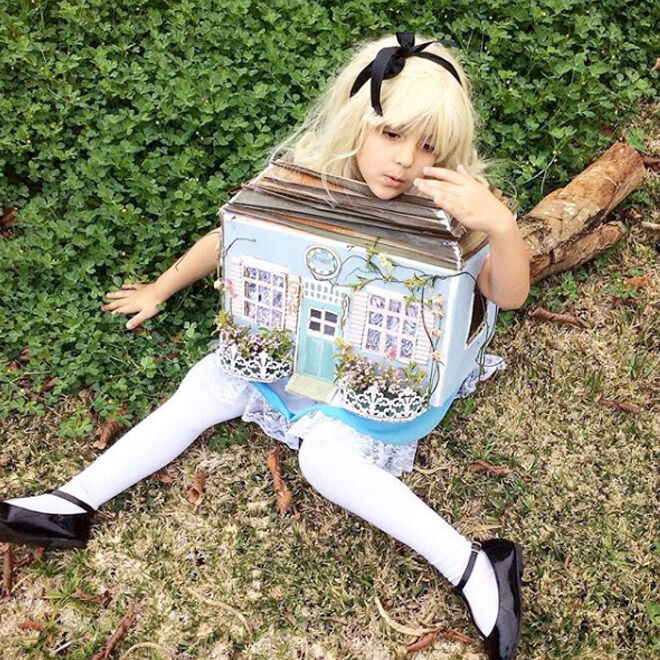 DIY Alice in Wonderland costume, book week