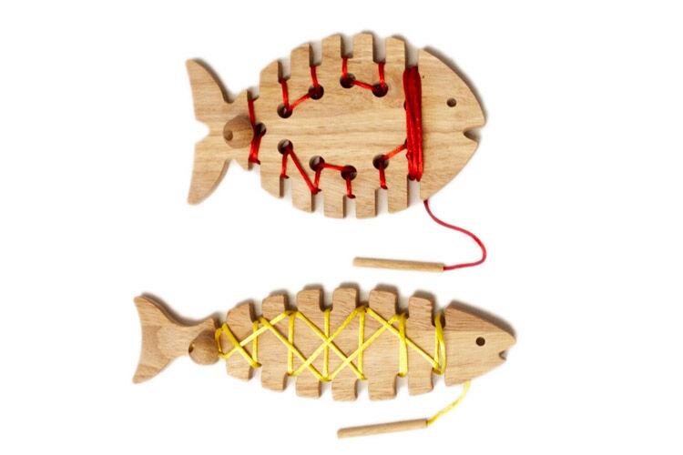 QToys Lacing Fish