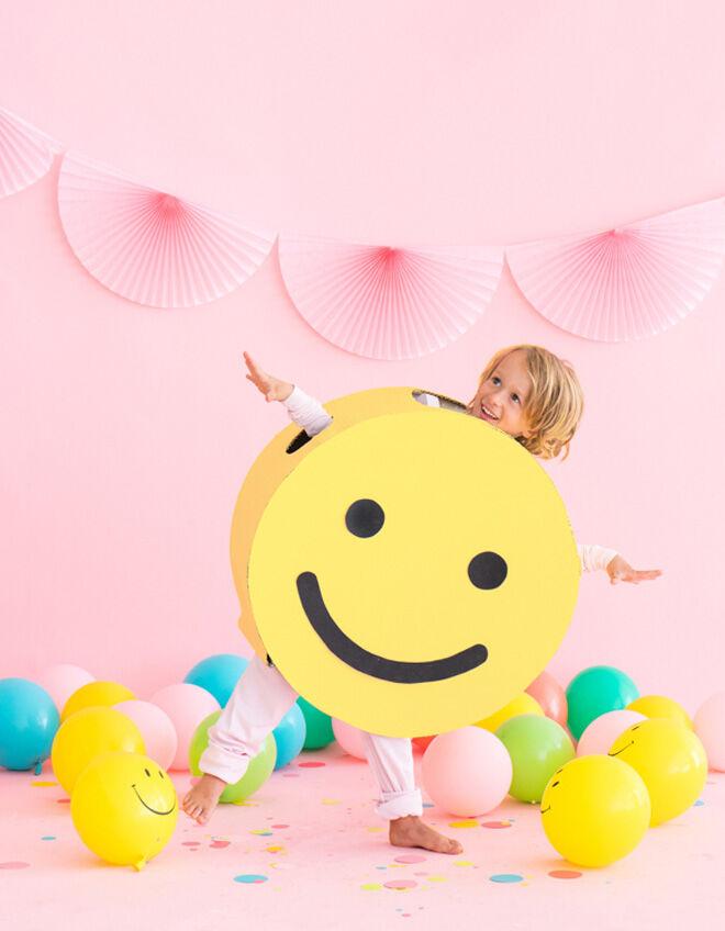 Smiley costume