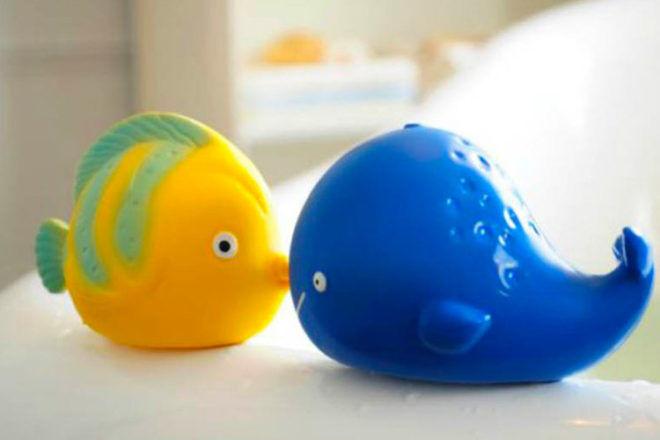 CaaOcho Kala the Whale bath Toy