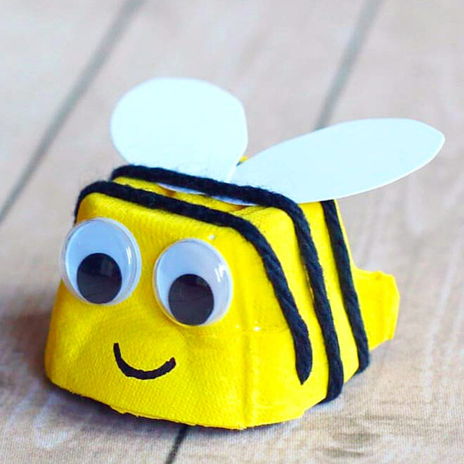Bumble bee egg carton craft