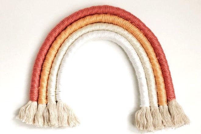 Simple DIY rope rainbow