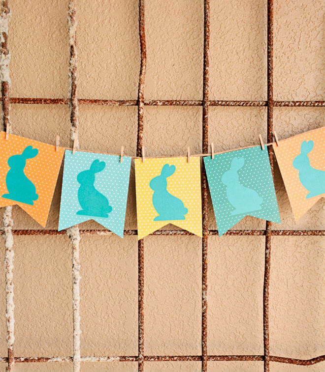 Printable Easter Bunny Bunting by I Should Be Mopping the Floor Blog