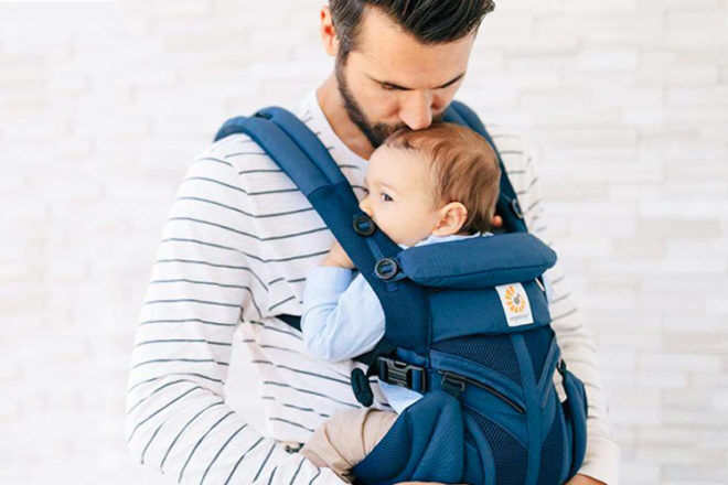 How to settle a toddler in a baby carrier | Mum's Grapevine