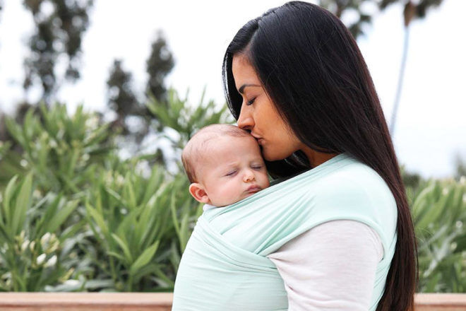 How to settle a baby in a baby carrier | Mum's Grapevine