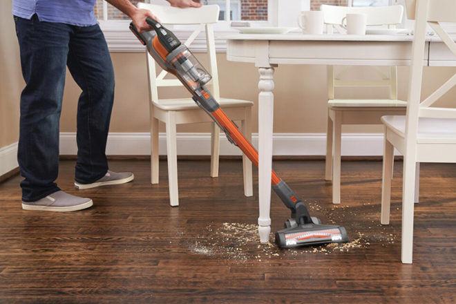 Best Stick Vacuum: Black & Decker 4-in-1