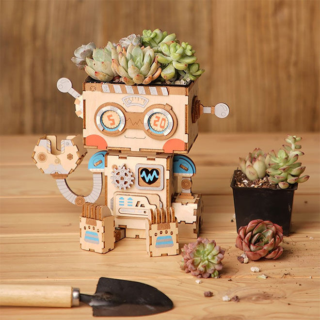 Best Robot Toys and Gifts: Jolly Whale Planter