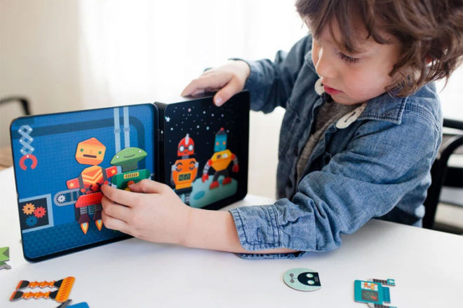 Robot Toys and Gifts: Petit Collage Robot Remix Magnets