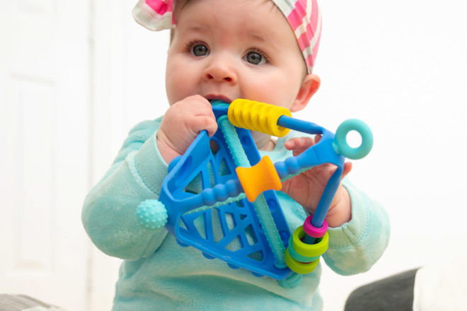 Best Toys for 6 Month Olds: Möbi WigLoo