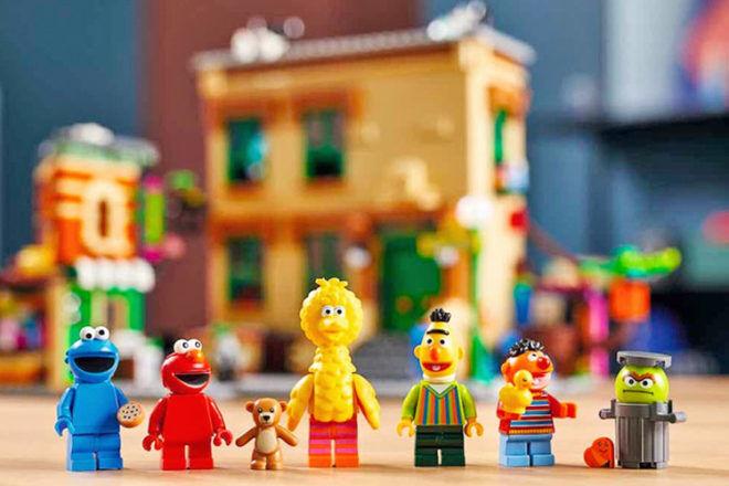 LEGO releases Sesame Street Build Kit | Mum's Grapevine